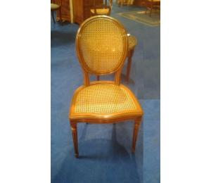 141 Chaise médaillon Louis XVI assise et dos cannés (possibilité de la garnir)