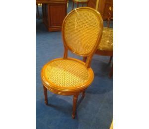 150 chaise médaillon Louis XVI assise ronde et dos cannés  (possibilité de la garnir)