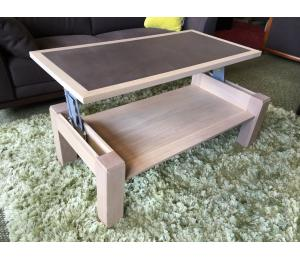 M Table de salon Dinette en 110x55cm en chêne massif incrustation céramique coloris chocolat  815€ net TTC + 2.30€ d'éco-participation (le modèle exposé)