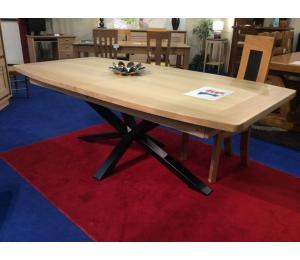 Table ARA 220 X 110cm + 4 allonges de 40cm, pied métal, plateau forme tonneau